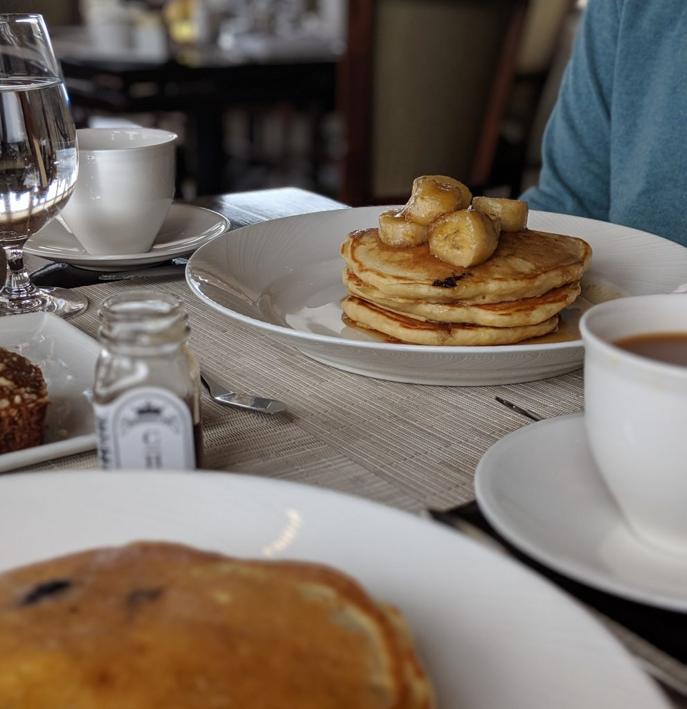 banana pancakes at Castle Hill Inn